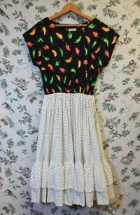 """funny dot CRAZY"" vintage fabric dress 〜Red pepperプリント×ドット×フリル〜"