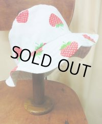 """funny dot CRAZY"" vintage fabric Bucket Hat 〜STRAWBERRY〜"