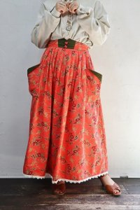 Vintage Skirt 〜MADE IN W.GERMANY×Alphorn×チロル×フラワー×ハートボタン〜